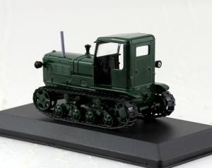 Macheta tractor ASHTZ NATI Rusia, scara 1:431
