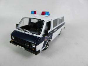 Macheta auto RAF 22038, politia letona, scara 1:431