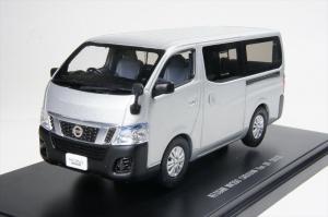 Macheta auto Nissan NV350, scara 1:430