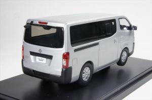 Macheta auto Nissan NV350, scara 1:431