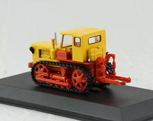 Macheta tractor T-50V Moldova, scara 1:431