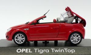 Macheta Opel Tigra Twintop, scara 1:432