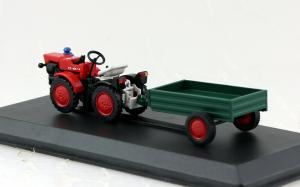 Macheta tractor TZ 4K-14 cu remorca, Cehoslovacia, scara 1:431