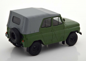 Macheta auto UAZ 469, scara 1:241