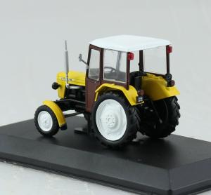 Macheta tractor Ursus C-330, Polonia, scara 1:431