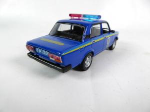 Macheta auto VAZ 2107, politia ucraineana, scara 1:432