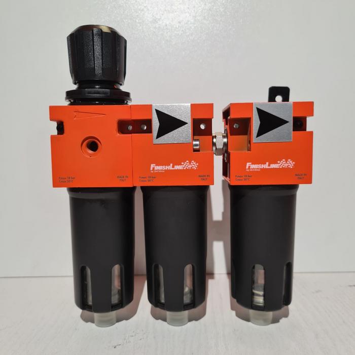 Baterie filtrare aer, DeVilbiss FLRCAC-1, filtrare aer cu regulator, baterie 3 filtre, pana la 0.003 microni cu carbon activ 1