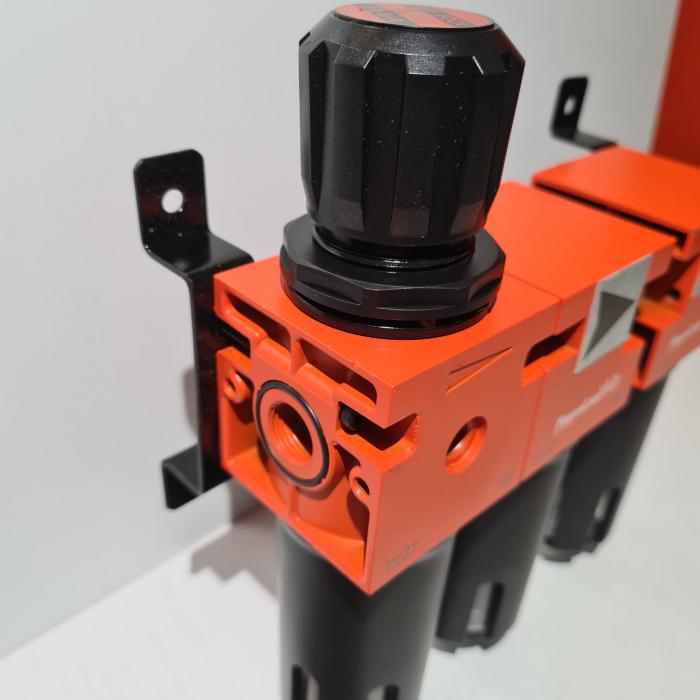 Baterie filtrare aer, DeVilbiss FLRCAC-1, filtrare aer cu regulator, baterie 3 filtre, pana la 0.003 microni cu carbon activ 2
