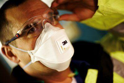 Masca protectie respiratorie 3M Aura™ 9332+, protectie ridicata FFP3, supapa 3M™ Cool Flow™ 7