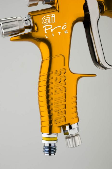 Pistol de vopsit DeVilbiss GTi Pro LITE + duza cadou, culoare Auriu, cupa plastic 600 ml, fluture la alegere, consum aer de la 265 l/min (9.4 cfm) 2