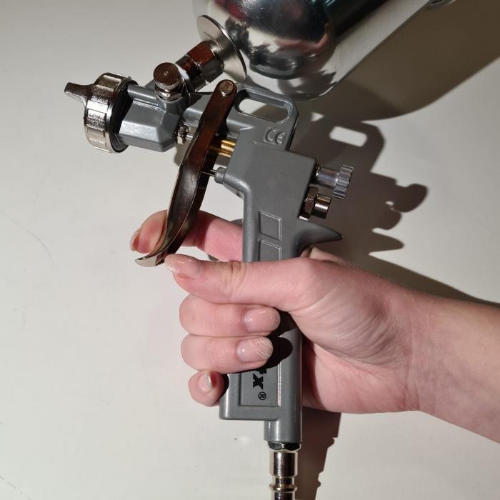 Pistol de vopsit, Matrix 573159, cana metalica 1 litru, duza 1.2, 1.5 si 1.8, consum aer 75- 230 l/min [1]