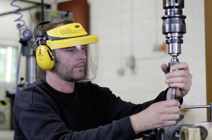 Set masca protectie 3M Peltor™ G500 pentru protejarea fetei si a urechilor 1