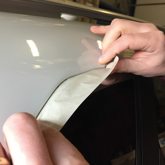Stegoband banda mascare chedere Colad 906023 Clasic Perforata, Type III, rezista pana la 110 ° C, lungime rola 10 metri 2