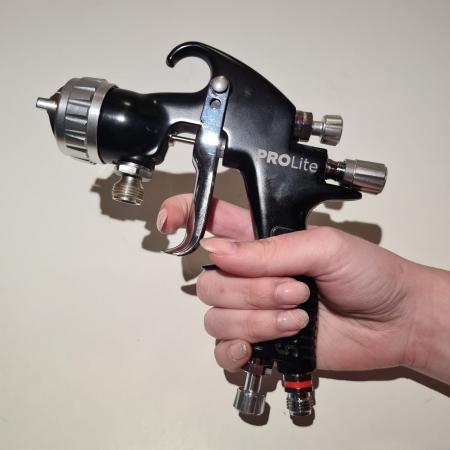 Pistol de vopsit cu prezurizare, DeVilbiss GTi Pro Lite, diferite duze, diferite capuri de aer [4]