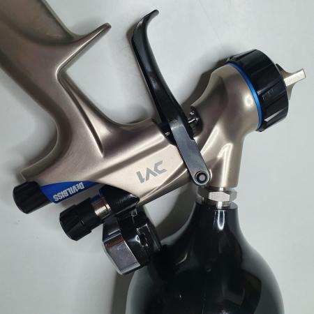 Pistol de vopsit DeVilbiss DV1 VOPSEA (DIGITAL), cupa plastic 600 ml, duza la alegere, consum aer incepand cu 300 l/min [12]
