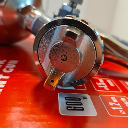 Pistol de vopsit, Matrix 573149, cana metalica 600 ml, duza 1.2, 1.5 si 1.8 mm, consum aer 75 - 230 l/min [10]