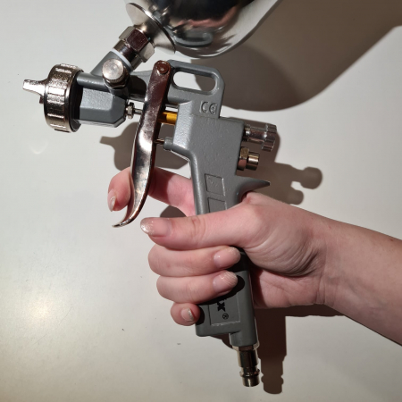 Pistol de vopsit, Matrix 573149, cana metalica 600 ml, duza 1.2, 1.5 si 1.8 mm, consum aer 75 - 230 l/min [12]