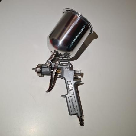 Pistol de vopsit, Matrix 573159, cana metalica 1 litru, duza 1.2, 1.5 si 1.8, consum aer 75- 230 l/min [4]