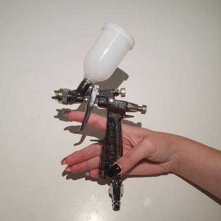 Pistol de vopsit pentru retus, Anest Iwata LPH-80, cupa plastic 70 ml, duza 0.6 - 1.2 mm, consum aer 60 l/min [13]