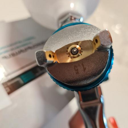 Pistol de vopsit, STELS 57364, cana jos metalica 1000 ml, duza 1.8 mm si 2.0 mm, consum aer 180-240 l/min [2]