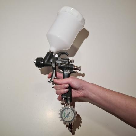 Pistol de vopsit, Walcom Slim KOMBAT HTE 8030xx,cupa plastic 600 ml, duza la alegere, valiza, regulator aer, consum aer incepand cu 250 l/min [5]