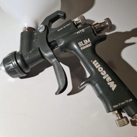 Pistol de vopsit, Walcom Slim KOMBAT HTE 8030xx,cupa plastic 600 ml, duza la alegere, valiza, regulator aer, consum aer incepand cu 250 l/min [1]