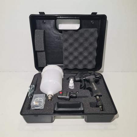 Pistol de vopsit, Walcom Genesi Carbonio 360 Light HTE clear(DIGITAL),cupa plastic 600 ml, duza la alegere, valiza, regulator aer, consum aer 380 l/min [1]