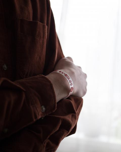 Bratara COVID-19-MAN - alb-rosu [1]
