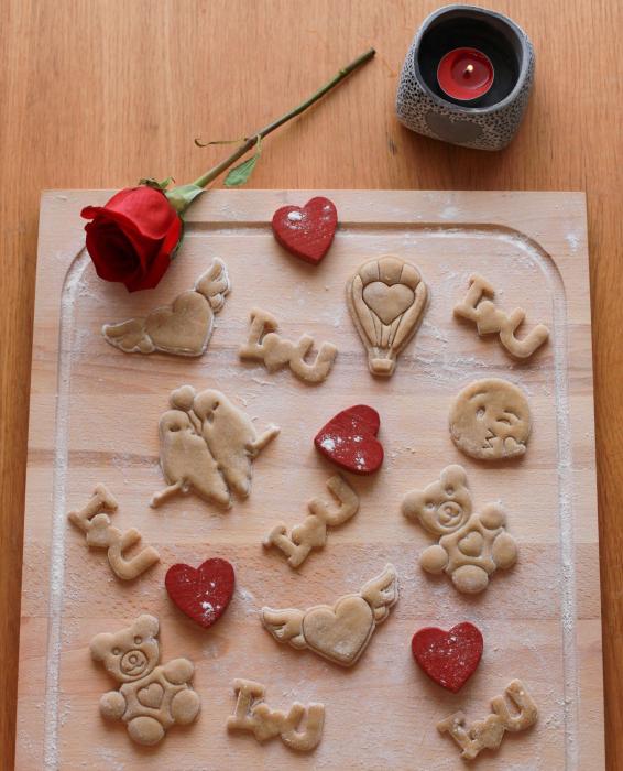 Valentine's day cookie cutter - Heart kiss emoji [2]