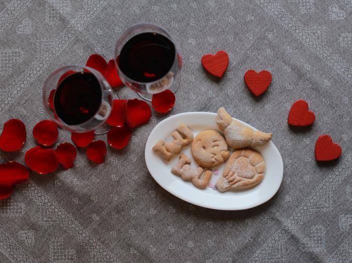 Valentine's day cookie cutter - Heart kiss emoji [3]