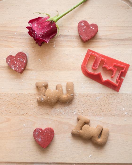 Valentine's day cookie cutter - I<3U - small [2]