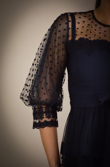 Rochie de eveniment din tull cu aplicatii din dantela [2]