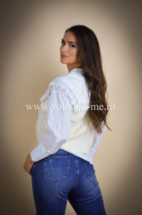 Pantaloni din jeans cu talie inalta [4]