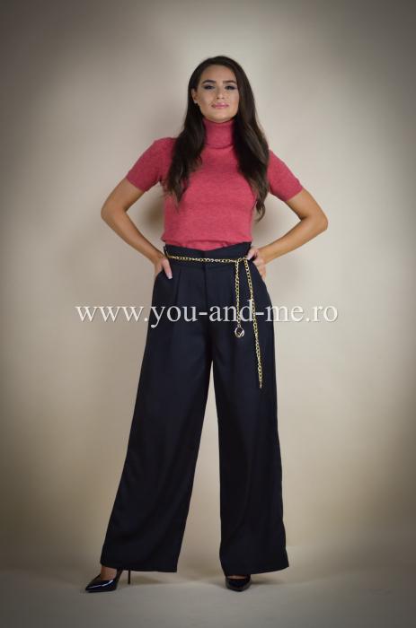 Pantaloni evazati cu buzunare [0]