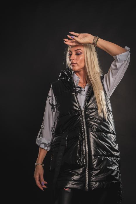 Vesta neagra asimetrica cu catarama la buzunar [2]