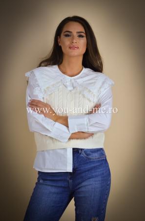 Bluza cu vesta cu guleras cu dantela [3]