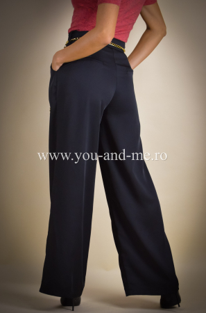 Pantaloni evazati cu buzunare [7]