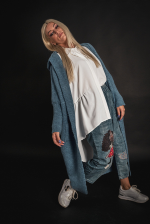 Pulover de lana albastru cu scris pe spate [0]
