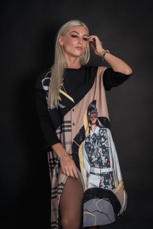Rochie cu imprimeu vesel si nasturi [0]