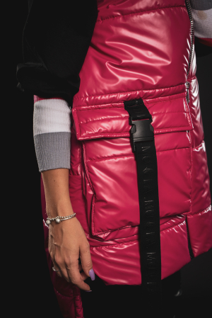 Vesta roz asimetrica cu catarama la buzunar [8]