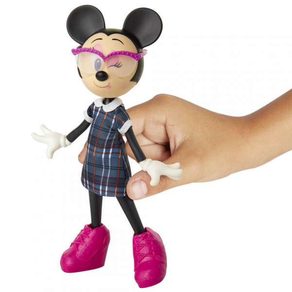 Papusa Minnie Mouse scolarita 2