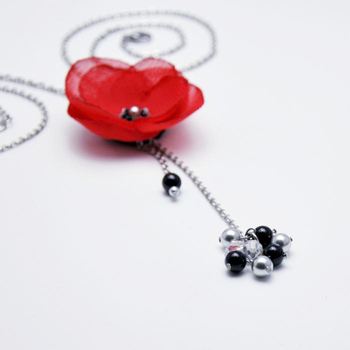 colier-lung-elegant-floare-rosie 2