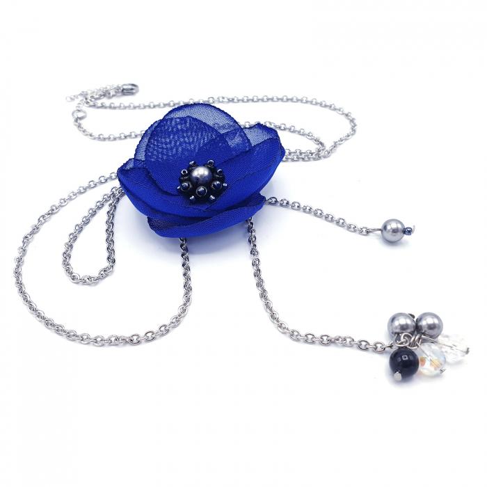 colier-lung-pandantiv-floare-albastra 0