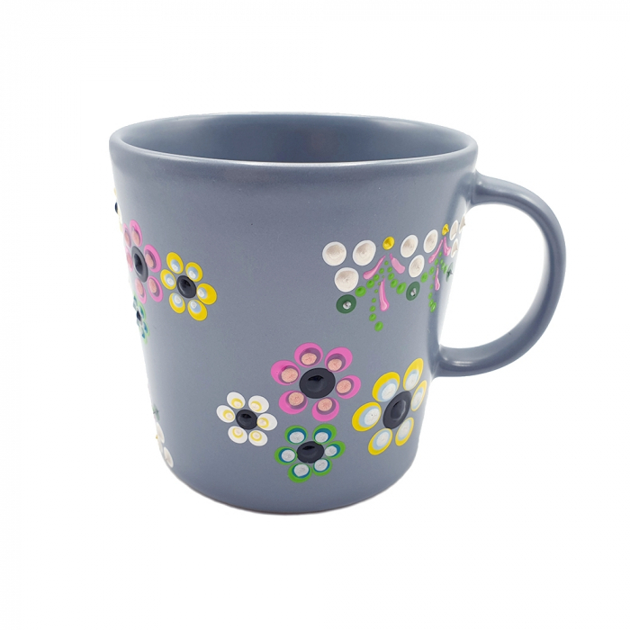 AMARIS | Cana gri pentru cafea/ ceai, flori multicolor, pictata manual 1