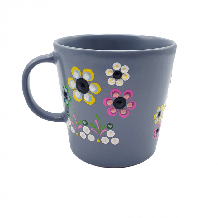 AMARIS | Cana gri pentru cafea/ ceai, flori multicolor, pictata manual 4