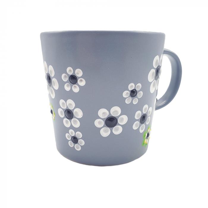 MABEL | Cana gri pentru cafea/ ceai, pictata manual cu flori 4