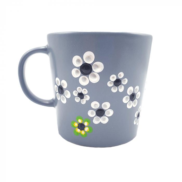 MABEL | Cana gri pentru cafea/ ceai, pictata manual cu flori 0
