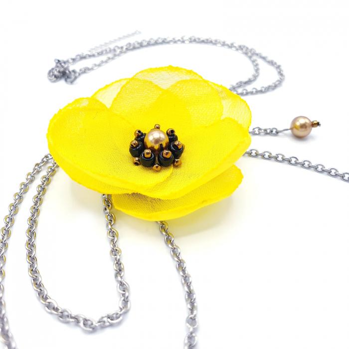 colier-lung-pandantiv-floare-galbena [2]