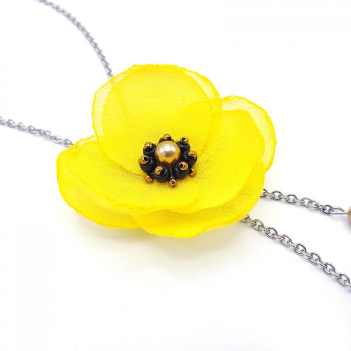colier-lung-pandantiv-floare-galbena [1]