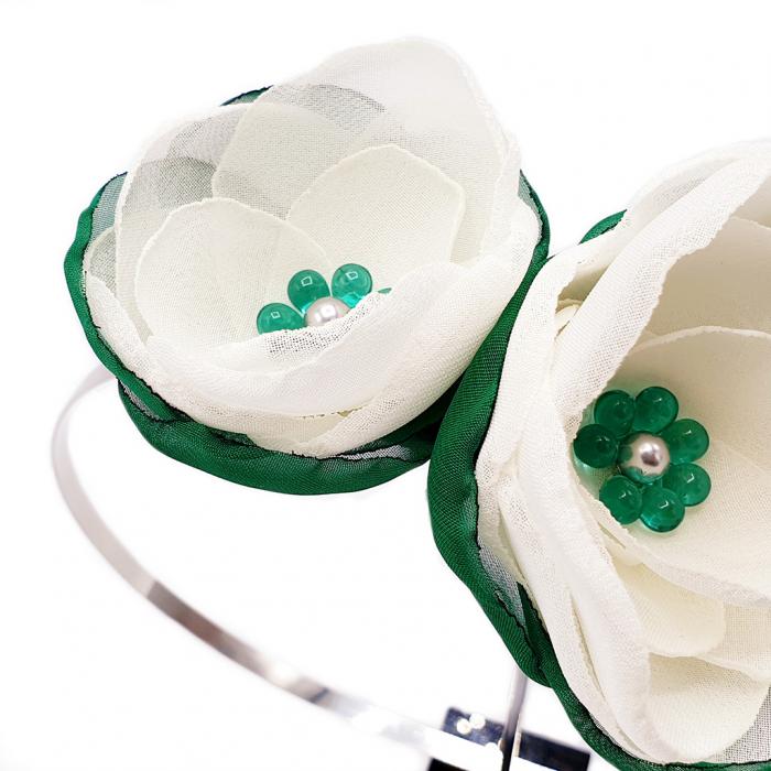 cordeluta-flori-albe 2